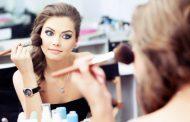 De unde isi cumpara femeile produse cosmetice?