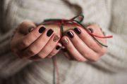 Ce cadou sa alegi pentru o fata pasionata de manichiura?